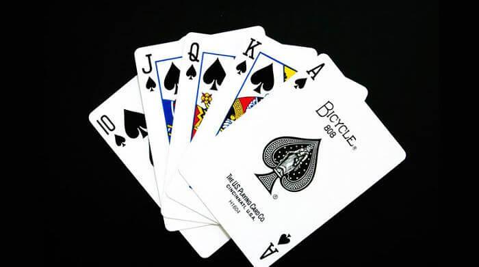 Cómo se juega el juego de cartas continental