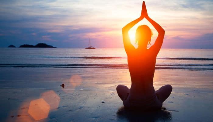 beneficios que tiene el yoga