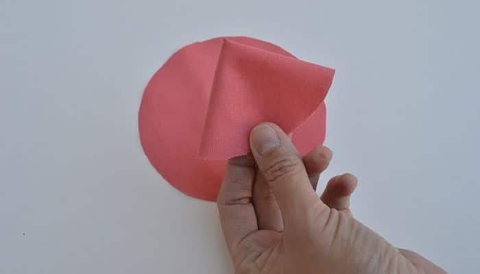 3 formas para hacer flores de tela manualidades desde tu - Hacer manualidades con telas ...