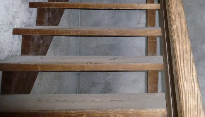 Como hacer una escalera de madera en solo 3 pasos - Hacer escalera de madera ...