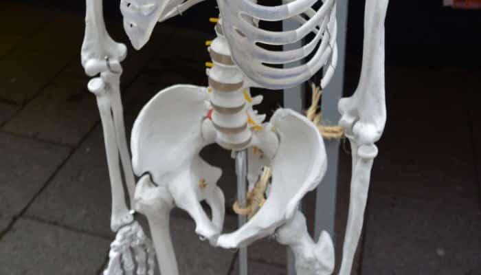 4 Consejos Para Mejorar Y Alinear Los Huesos De La Cadera!