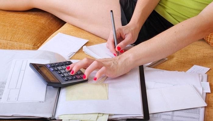 ajustado presupuesto